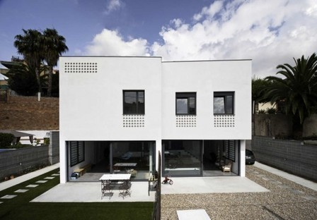 Two Semi-detached Houses In Barcelona / CAVAA Arquitectes | The Architecture of the City | Scoop.it