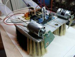[Arduino] BrossoGlisseur, le robot qui se déplace sur des brosses ... | Arduino, Processing | Scoop.it