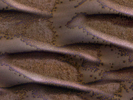 Mars Reconnaissance Orbiter Reveals Frosted Dunes on Mars | Geology | Scoop.it