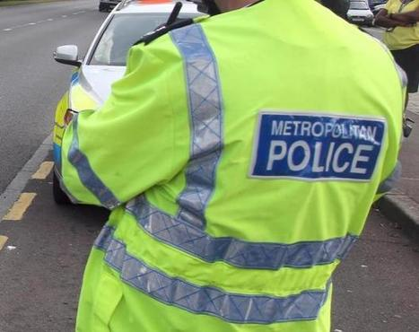 Man arrested after two lorries and a car involved in A406 smash | Muswell Hill News | Scoop.it