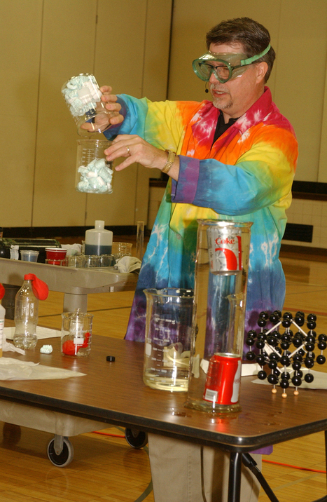 Willmar Middle School students learn that chemistry can be fun - West Central Tribune | Chemistry and The World Around Us | Scoop.it