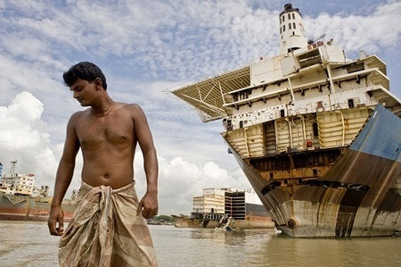 NEWS: Bangladeshi ship breakers left out to sea | Asbestos and Mesothelioma World News | Scoop.it