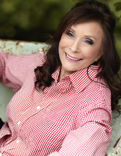 Loretta Lynn to be Honored With Lifetime Achivement Award | Country Music Today | Scoop.it
