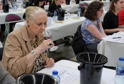 Why women are becoming the key ingredient in making and marketing wine | Le Vin en Grand - Vivez en Grand ! www.vinengrand.com | Scoop.it