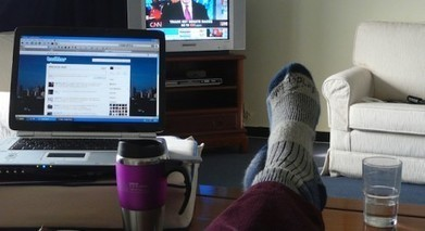 TV Broadcasters lack common strategy in battle for Social TV audiences.   Social TV, Transmedia, Broadcast Trends   Scoop.it