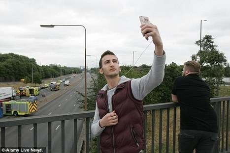 Onlooker is caught taking a SELFIE at crash scene | Muswell Hill News | Scoop.it