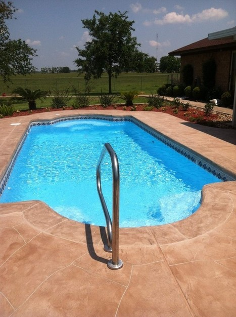 LIGHT COLORED POOLS VS DARK COLORED POOLS | Make The Best Swimming Pool Deal With American Pools! | Scoop.it