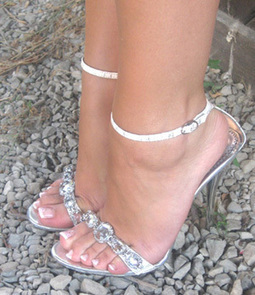 piedini femminili italiani | Italian female feet | Scoop.it