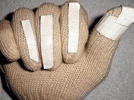 Estudiantes del IPN crean guante que ayuda a niños con problemas ... - Milenio.com | Uso seguro de la red | Scoop.it