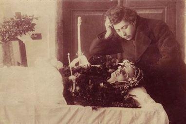 18 Creepy Post-Mortem Photos From The Victorian Era | Strange days indeed... | Scoop.it