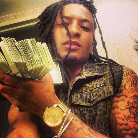 Video: Chicago Rapper Young QC Has His Mother Killed For Financial Gain, Makes It Rain With The Insurance Money! | MaCuSa | Scoop.it
