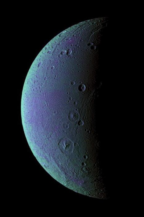 Oxygen Atmosphere Detected on Saturn's Moon Dione | Astrobiology | Scoop.it