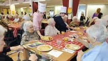 Kabinet ziet geen extra koopkrachtverlies bij ouderen - Home - Trouw.nl | MKB nieuws Arbeidsvoorwaarden | Scoop.it