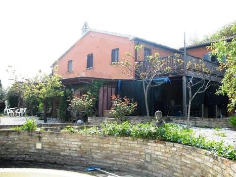 C1152 | Marche House | Scoop.it