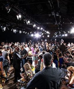 Fashion Week Will Become Even More Exclusive, May Start Banning Bloggers - Refinery29   Trends Hunting   Scoop.it