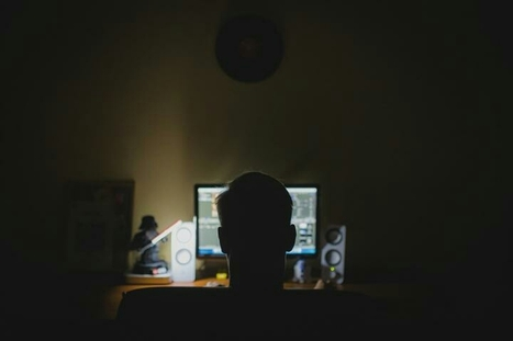 De-coding the character of a hacker: Hackers are distinguished by a drive to understand systems | digitalcuration | Scoop.it