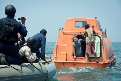 Bioscoop draait film voor marine in Oman   Anti-piraterij   Scoop.it