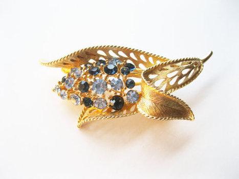 Lisner Leaf Brooch Blue Rhinestones Vintage   Vintage Jewelry   Scoop.it