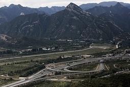 While U.S. Fills Potholes, China Plans Transport Boom | Conservation + BioEconomy | Scoop.it