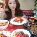 This South Korean Girl Is Getting Rich Just From Eating On Webcam   Webstream   Scoop.it