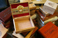 23 Empty Decorative Wooden Cigar Boxes | Wooden Smoke Pipe | Scoop.it