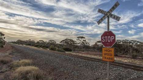 Rail power could light up rural crossings | Ben Coxworth | GizMag.com | @The Convergence of ICT & Distributed Renewable Energy | Scoop.it
