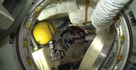 You Don't Need A Selfie Stick To Take A Selfie In Space | Photography Gear News | Scoop.it