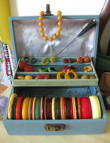 Va-Voom Vintage: My Bakelite Collection   Antiques & Vintage Collectibles   Scoop.it