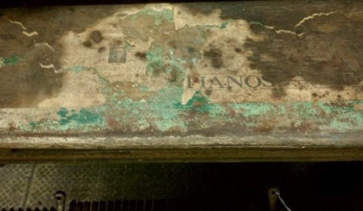 Primitive Chippy Paint Wood Heaven | Antiques & Vintage Collectibles | Scoop.it