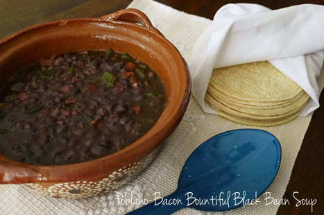 Poblano-Bacon Bountiful Black Bean Soup - Nibbles and Feasts | 4-Hour Body Bean Cookbook | Scoop.it