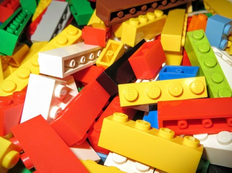 Benefits of Making with LEGOs for Those With Autism » MakerBridge | idevices for special needs | Scoop.it