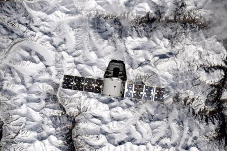 SpaceX supply ship joins up with space station | Spaceflight Now | The NewSpace Daily | Scoop.it