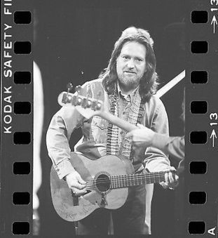 WILLIE NELSON 1976 On Stage 35mm Camera Original Negative ONE-OF-A-KIND #001 @willienelson | Keith Russell Collections | Scoop.it