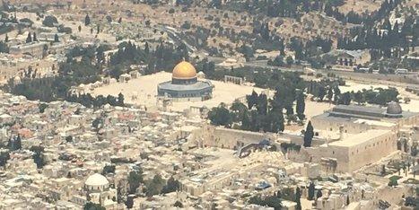 Des internautes offrent un livre d'histoire à Ciotti après son survol de Jérusalem | Crise de com' | Scoop.it