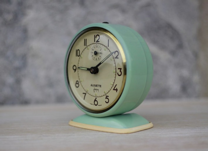 Vintage French Japy Green Alarm Clock  50's Retro/ Mid Century | Antiques & Vintage Collectibles | Scoop.it