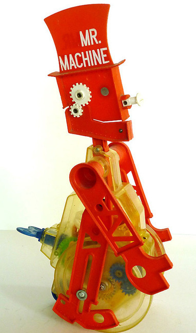 Ricks Robots: Vintage battery operated and wind up tin toy robot and space toy collection of Rick Leddy   Vintage, Robots, Photos, Pub, Années 50   Scoop.it
