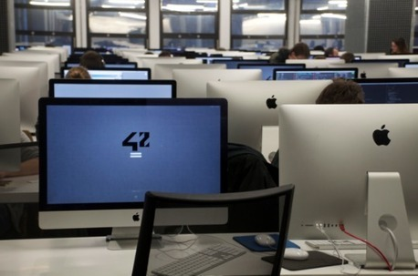 Simplon et 42, deux établissements qui enseignent le code en réinventant l'école | Les jeunes et le numérique | Scoop.it