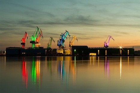 Working Shipyard by Day, Dazzling Light Sculpture by Night | sweet | Scoop.it