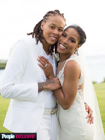 Seimone Augustus se casa con su prometida LaTaya Varner | Basket-2 | Scoop.it