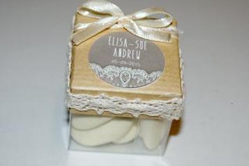 Boîte à dragées mariage vintage chic dentelle et papier krat | Dragée -Décoration  Mariage | Scoop.it