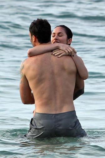Megan Fox in Bikini hot pictures with boyfriend ~ Hollywood Celebrities Pictures | Hollywood Celebrities Hot pics | Scoop.it