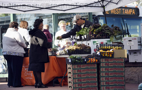 Fresh Food On-the-Go: Introducing Bus-Stop Farmers Markets - Modern Farmer | Food issues | Scoop.it