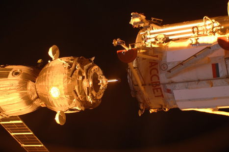 Picture taken by the station crew of our docking at sunset. Great timing. - @astro_Andre Kuipers | Mapmakers | Scoop.it