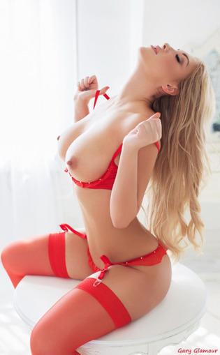 Red White & Pink | Fine girls | Scoop.it