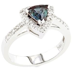 Trikonasana - Alexandrite,white diamond and white gold ring.   Gemstones Trends   Scoop.it