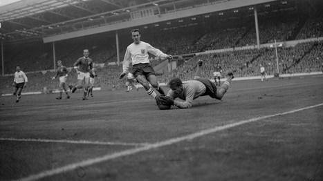 8 novembre 1963 : Le jour en Or de l'Araignée Noire - FIFA.com | Que s'est il passé en 1963 ? | Scoop.it