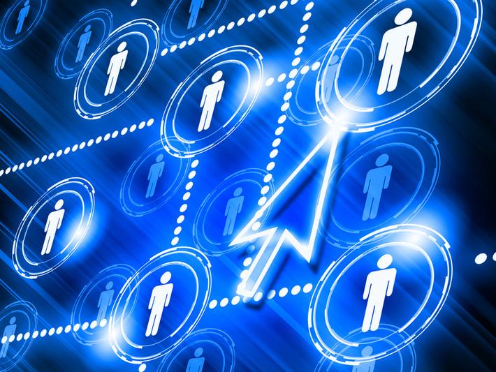 Information et médias sociaux : Facebook et Twitter vérifient ensemble leurs sources   Relations publiques, Community Management, et plus   Scoop.it