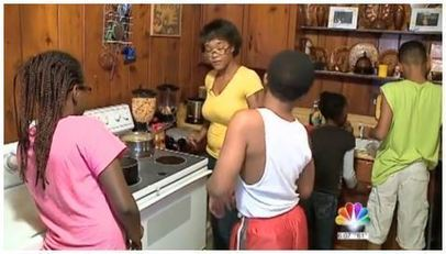Food Stamp Cuts Leave Single Mom $16 Per Month To Feed 4 Children | SocialAction2014 | Scoop.it
