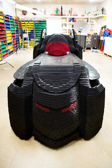 Cet artiste a construit une Batmobile grandeur nature tout en LEGO | Superheroes & Supervillains | Scoop.it