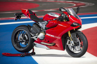 2013 Ducati Panigale R Review: | Ductalk | Scoop.it